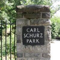 Foto tirada no(a) Carl Schurz Park por Princess Abigail B. em 5/25/2012