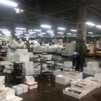 Photo taken at 福山魚市場 by Takashi K. on 1/30/2012