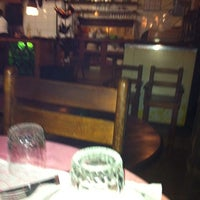 Foto tirada no(a) Roda Viva Pizzaria por Regina L. em 4/10/2012
