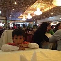Foto tomada en Restaurant Lotus Flower por Mauricio I. el 4/29/2012