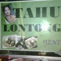 """Photo taken at Tahu Lontong """"BU YENI"""" by Yudha D. on 2/10/2012"""