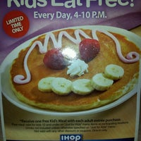 Photo taken at IHOP by Santiago B. on 7/13/2012