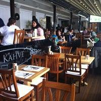 4/21/2012 tarihinde Taş Kahve E.ziyaretçi tarafından Taş Kahve Cafe & Restaurant'de çekilen fotoğraf