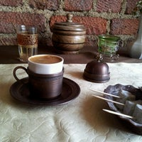 Das Foto wurde bei Mehreb Cafe von Ahmet Burak S. am 4/22/2012 aufgenommen
