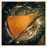 Foto scattata a Luna's Torta da Alessandra M. il 9/13/2012