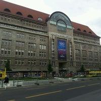 Foto tirada no(a) Kaufhaus des Westens (KaDeWe) por Musa G. em 5/30/2012