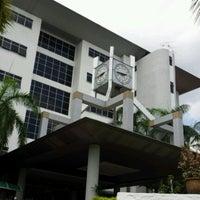 Photo taken at Mahkamah Tinggi Shah Alam by Judy Jannah A. on 7/20/2012