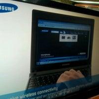 Photo taken at Safari Computadores by Edward R. on 3/26/2012