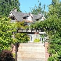 Das Foto wurde bei Kurt Cobain's House von Gary T. am 9/6/2012 aufgenommen