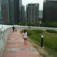 Photo taken at Seoul Namsan Fortress Wall Trail by HJ on 6/23/2012
