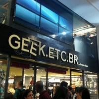Foto tirada no(a) Geek.Etc.Br por Fabiola v. em 4/25/2012