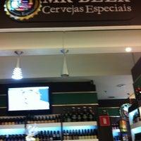 Foto tirada no(a) Mr. Beer por Mariana G. em 5/19/2012