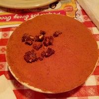 Foto scattata a Buca di Beppo Italian Restaurant da Jay L. il 9/3/2012