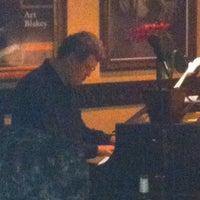 Foto tirada no(a) All of Jazz por Rosa em 9/7/2012
