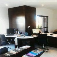 2/10/2012にLeone H.がEscritório de Arquitetura Leone Hainzenrederで撮った写真