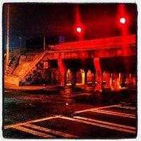 รูปภาพถ่ายที่ Krog Street Tunnel โดย Hector A. เมื่อ 6/23/2012