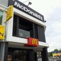 Photo taken at McDonald's by Rizalku on 5/5/2012