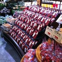 Photo taken at 京都タカシマヤ フードフロア by Kenji on 6/28/2012