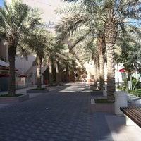 รูปภาพถ่ายที่ Al Rashid Mall โดย SANA K. เมื่อ 6/6/2012
