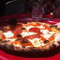 Снимок сделан в Roberta's @ Mad Sq Eats пользователем Andrea B. 5/12/2012