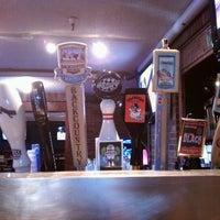 Foto tomada en Ollie's Pub por Richard S. el 6/22/2011