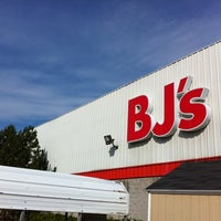 Photo taken at BJ's Wholesale Club by Peter M. on 8/31/2011