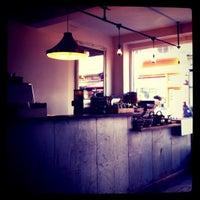 Photo prise au TAP Coffee par Leslie Q. le3/7/2011