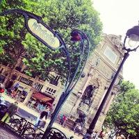 Photo prise au Place Saint-Michel par Patrick P. le6/28/2012