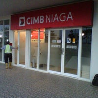 Photo taken at Bank CIMB Niaga JGC by Agus S. N. on 11/7/2011