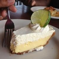 รูปภาพถ่ายที่ Rockfish Seafood Grill โดย Kuyawes H. เมื่อ 7/18/2012