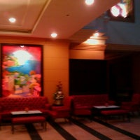 Photo taken at Kanmanee Palace Hotel by DXIII U. on 11/24/2011