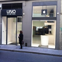 Photo taken at UNO - Apple Premium Reseller by Martin on 10/15/2011