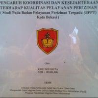 Photo taken at Universitas Krisnadwipayana by Arie N. on 3/22/2012