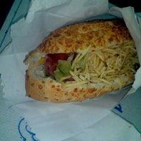 Foto tirada no(a) Pedrinho Hot Dog por Cristiane Harumi C. em 12/30/2011