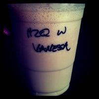Das Foto wurde bei Kaffe Bona von Ling am 8/30/2011 aufgenommen