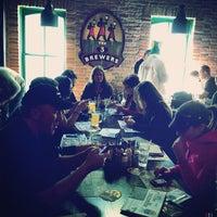 Foto diambil di The 3 Brewers oleh Anil P. pada 3/11/2012