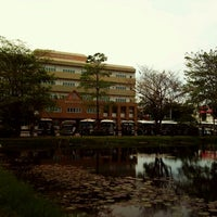 Photo taken at Ramkhamhaeng University by Sargekid I. on 3/5/2012