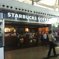 Photo taken at Starbucks Coffee by Maribel G. on 9/13/2012