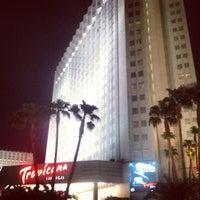 Das Foto wurde bei Tropicana Las Vegas von Andrew G. am 8/25/2012 aufgenommen
