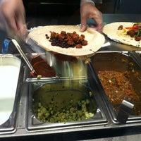 Photo prise au Chipotle Mexican Grill par Nick J. le6/2/2012
