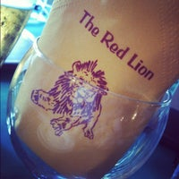 Das Foto wurde bei Red Lion von Gaz A. am 8/12/2012 aufgenommen