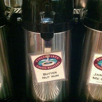 Photo taken at Beanz by Nelson L. on 10/18/2011