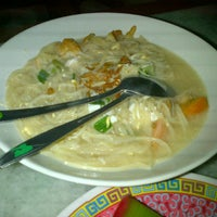 Photo taken at Bakmi Jawa Pejompongan by Dadung K. on 1/25/2012