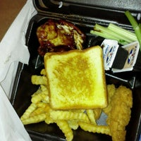 Photo taken at Zaxby's Chicken Fingers & Buffalo Wings by Stephen H. on 3/11/2012