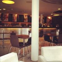 Foto tirada no(a) Alessa Gelato e Caffe por Giovanni G. em 2/24/2012