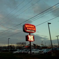 Photo taken at Golden Corral by Paul L. on 12/31/2011