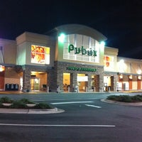 Photo taken at Publix by Abdiel H. on 9/27/2011
