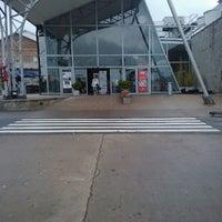 Foto tomada en La Ribera Shopping por Vanesa D. el 10/23/2011