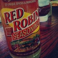Photo taken at Red Robin Gourmet Burgers by Kurt C. on 6/17/2012