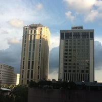 Photo taken at DoubleTree by Hilton Hotel New Orleans by Athan R. on 5/5/2012